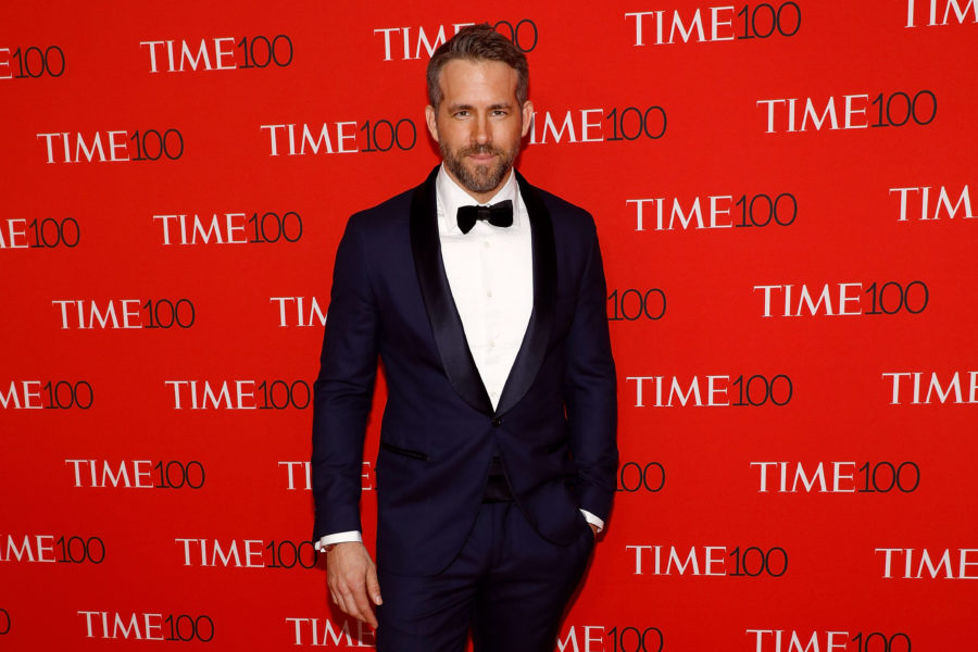 Ryan Reynolds answered the age-old question: Which Hollywood Chris is the hottest?