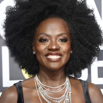 Viola Davis rocked her natural hair at the 2018 Golden Globes, and Twitter is loving it