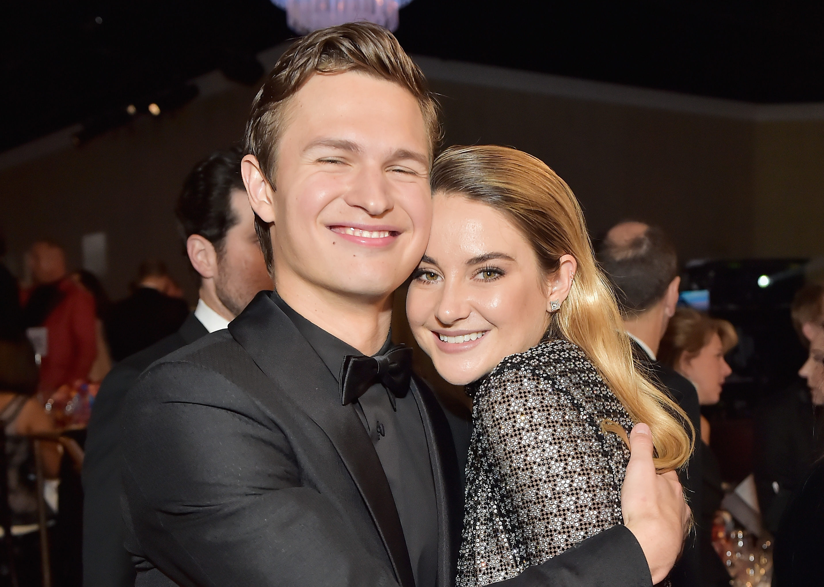 Ansel Elgort and Shailene Woodley had a perfect and cry-worthy reunion at the 2018 Golden Globes