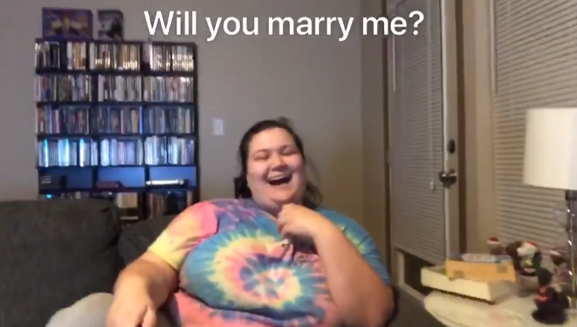 "This guy proposed to his girlfriend using the ""Heads Up!"" party game app, and you will cry"