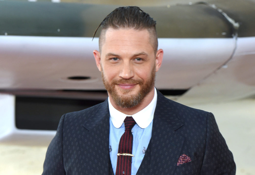 The first photo of Tom Hardy as Venom is here, and it leaves a lot to be desired