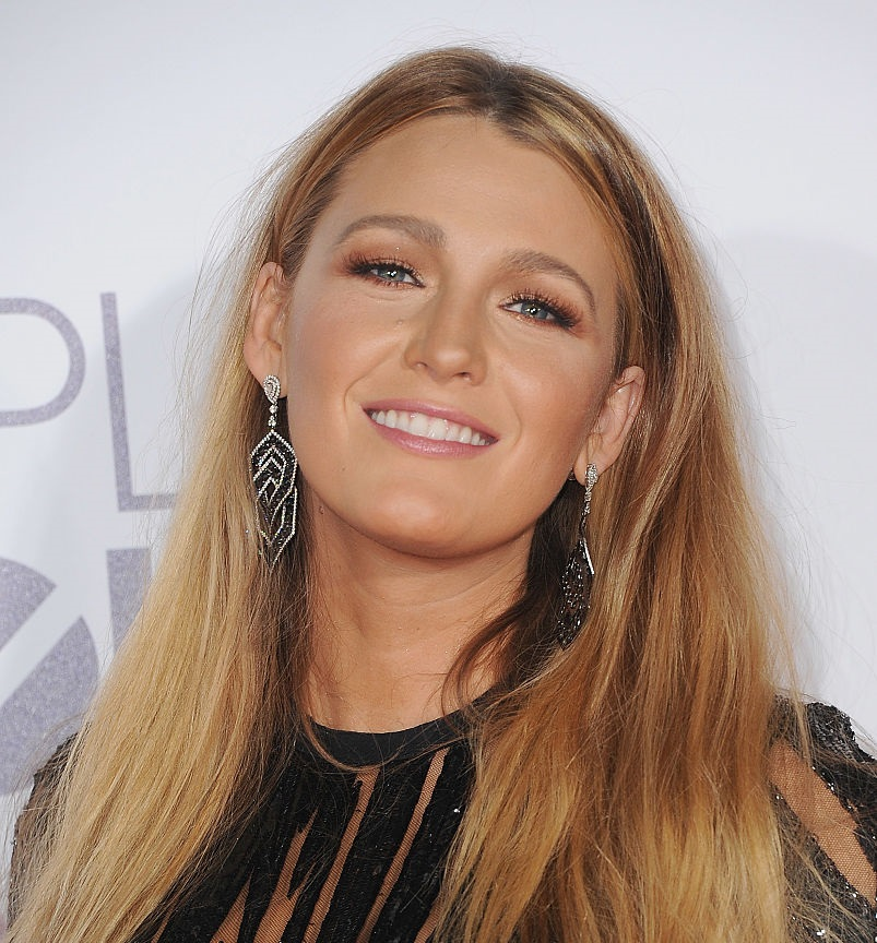 "Blake Lively called her Valentine's Day-themed outfit ""obnoxious,"" but we think it's ~romantic chic~"
