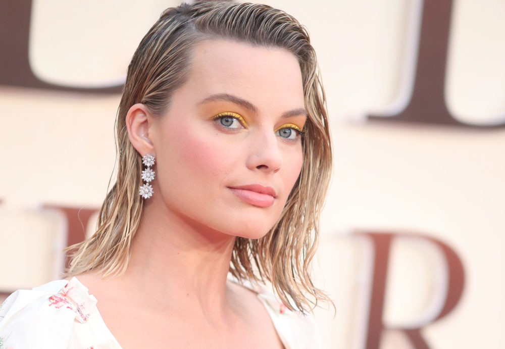 Margot Robbie looked like a chic Hamburglar at the 2018 Critics' Choice Awards, and it weirdly works