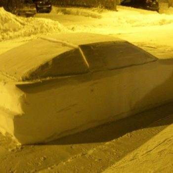 This guy pranked police with a double-parked car made of snow