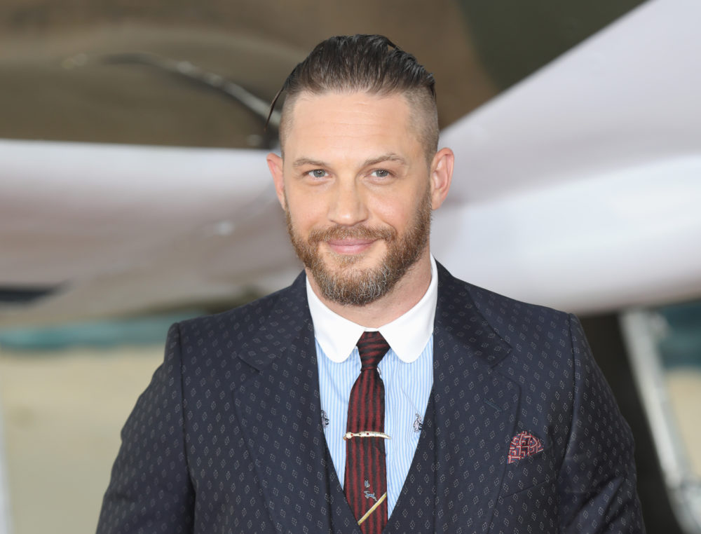 "Tom Hardy's deleted scene from ""Last Jedi"" is here — and it is bro-tastic"