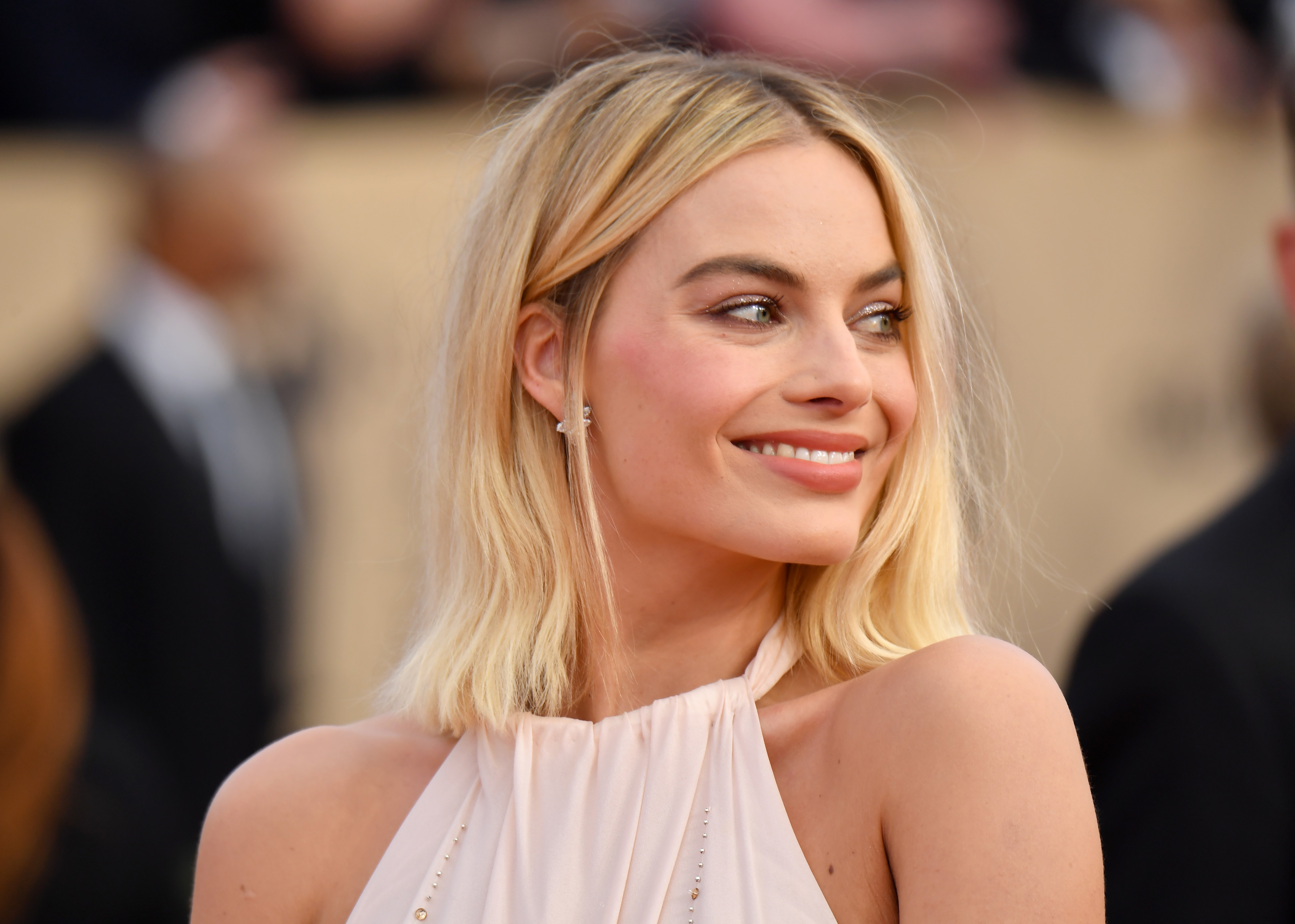Margot Robbie looks like a pink feathered swan at the 2018 SAG Awards