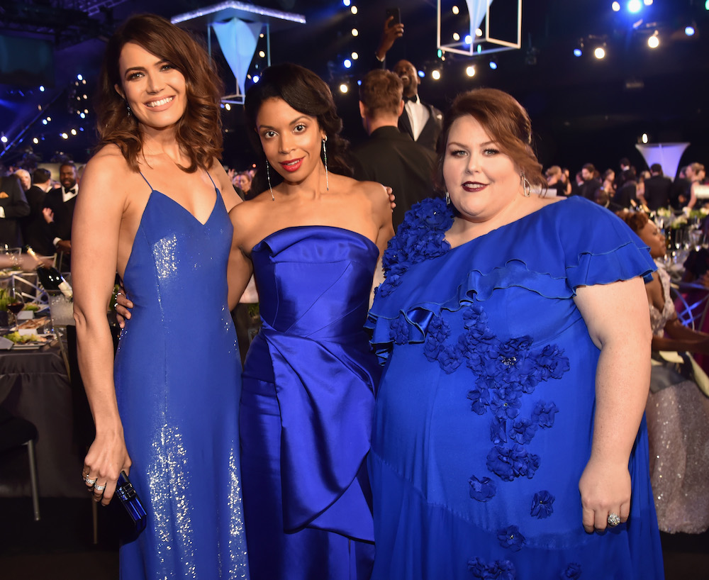 "The cast of ""This is Us"" serendipitously matched in royal blue dresses at the 2018 SAG Awards"