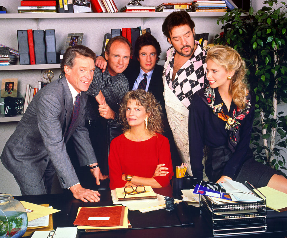 """Murphy Brown"" is coming back, so it's time to binge-watch the original"