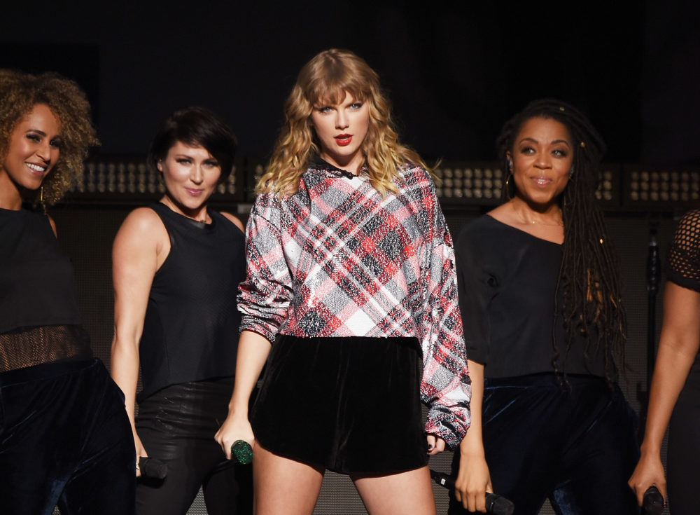 "Here's the legitimate reason why Taylor Swift's ""Reputation"" was shut out of the 2018 Grammys"