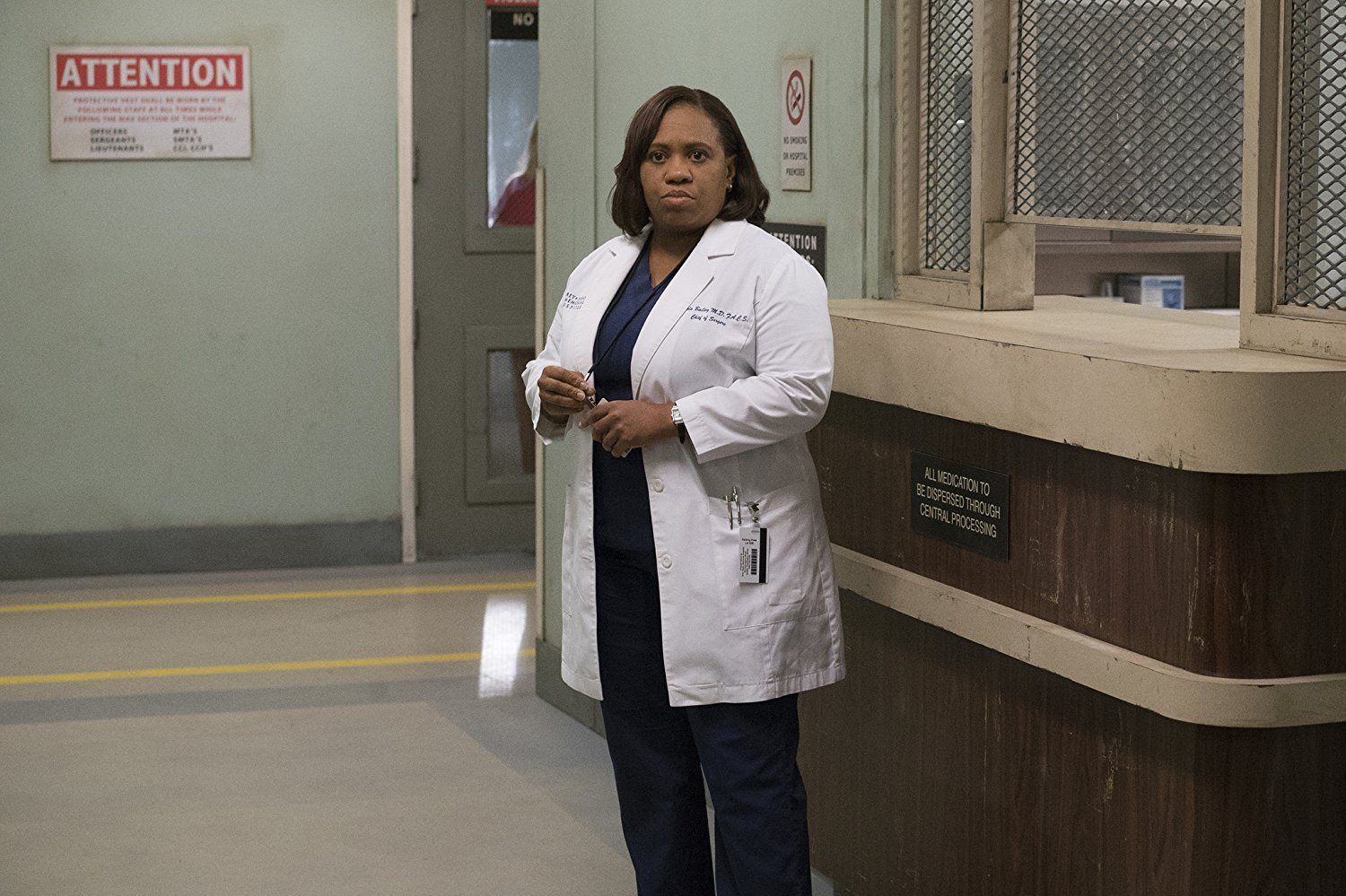 "There's a rumor Dr. Bailey from ""Grey's Anatomy"" might die, and we're already crying"