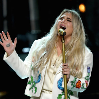 """Kesha performed """"Praying"""" at the 2018 Grammys, and it's one of the most powerful moments in awards show history"""