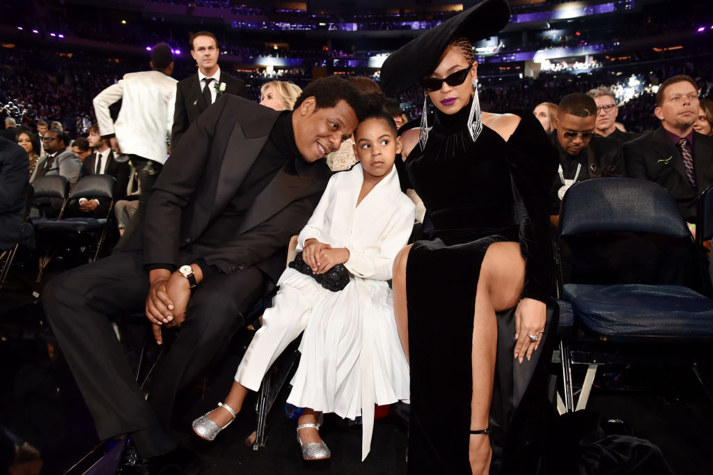 8dd7cdf3 Blue Ivy's all-white look at the 2018 Grammys is better than ...
