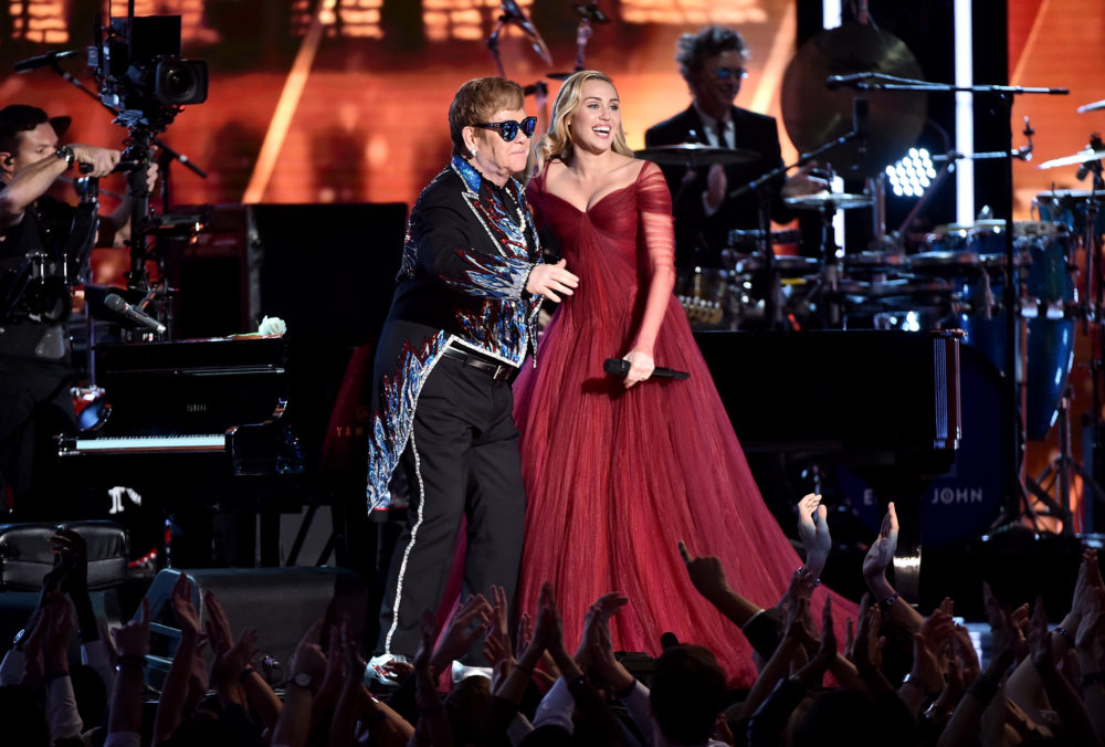 "Miley Cyrus performed ""Tiny Dancer"" with Sir Elton John at the 2018 Grammys, and it brought the audience to their feet"