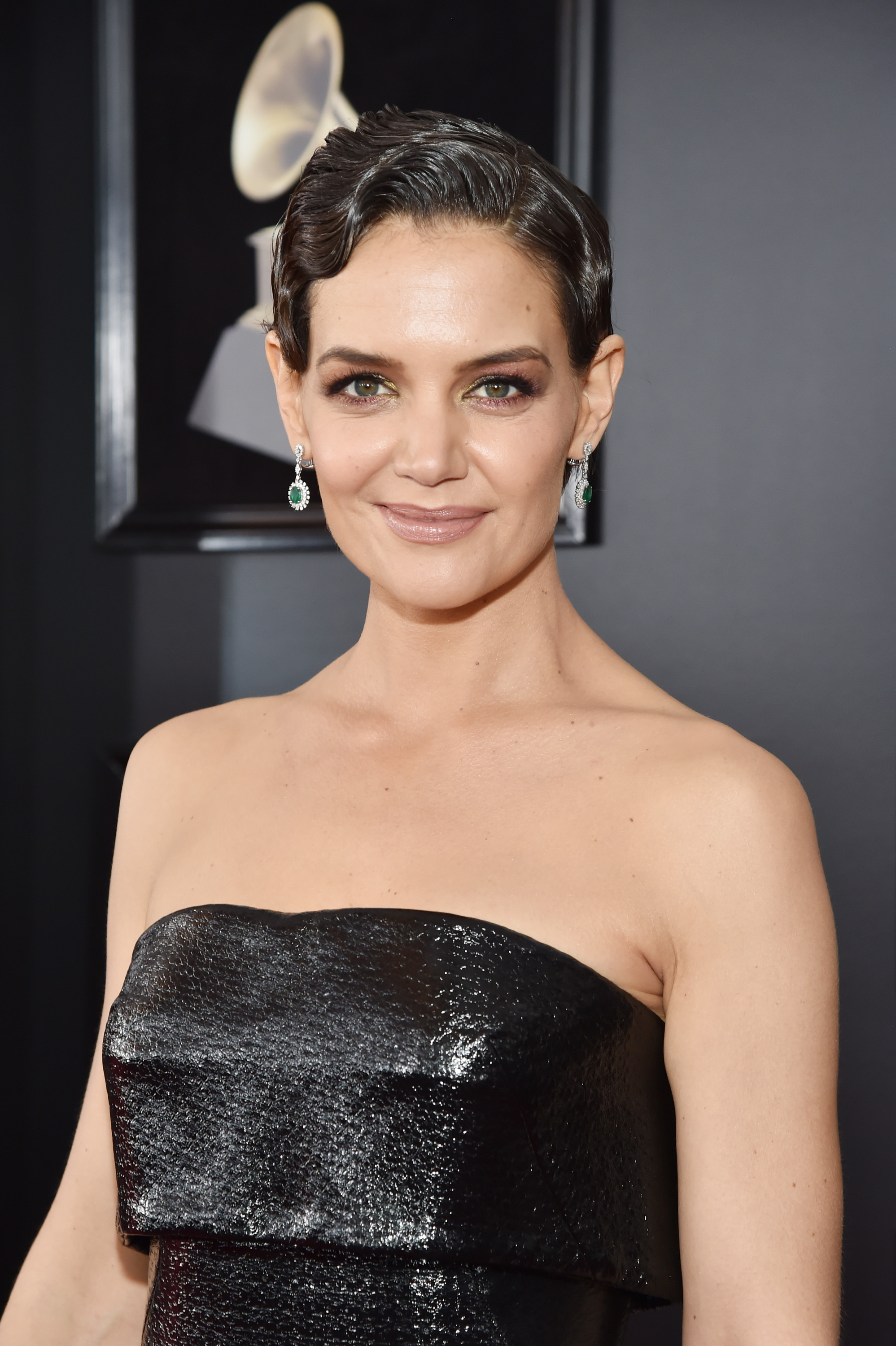 Katie Holmes pixie hairstyle is the short hair trend for ...