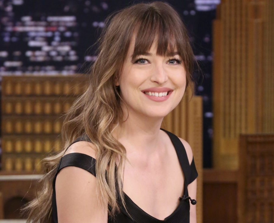 Dakota Johnson just cleared up *that* Angelina Jolie side-eye moment at the Golden Globes