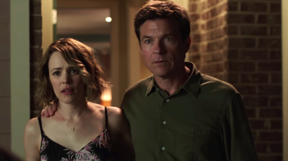 """Watch Jason Bateman and Rachel McAdams be the most competitive couple ever in the new """"Game Night"""" trailer"""