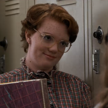 """Shannon Purser found a """"Justice for Barb"""" message on her Starbucks cup, because #neverforget"""