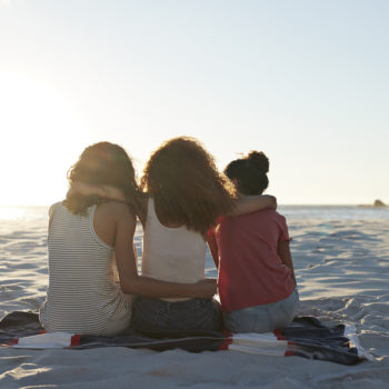 5 ways to make new friends as an adult, because for some reason it's hard AF