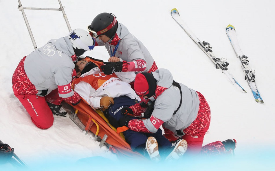 16-year-old snowboarder Yuto Totsuka had a scary fall on the halfpipe today, and watch at your own risk