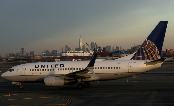 A United plane's engine fell apart mid-flight, and the passenger accounts are terrifying