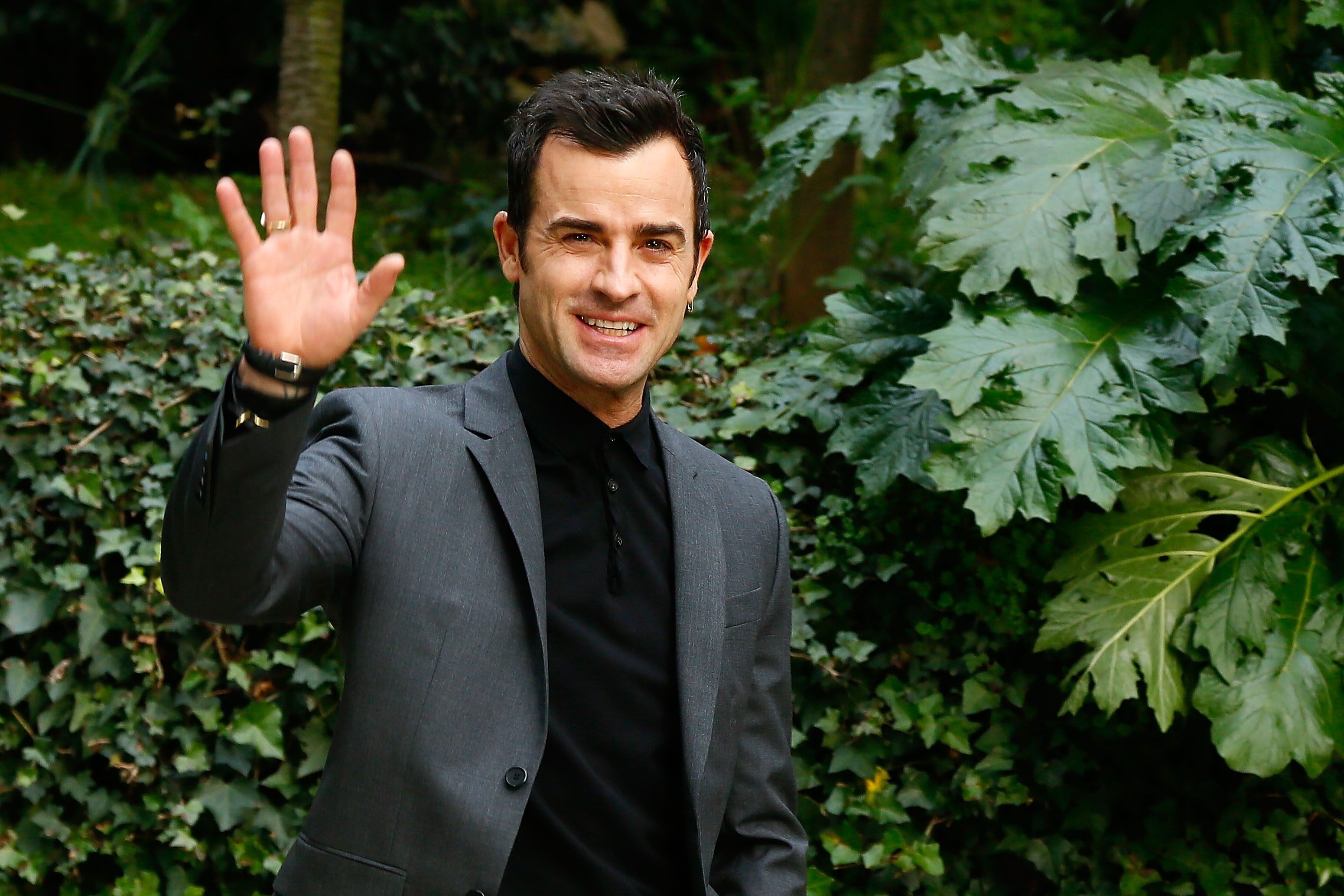 Here are some Justin Theroux movies you can watch to pretend like everything in life is OK