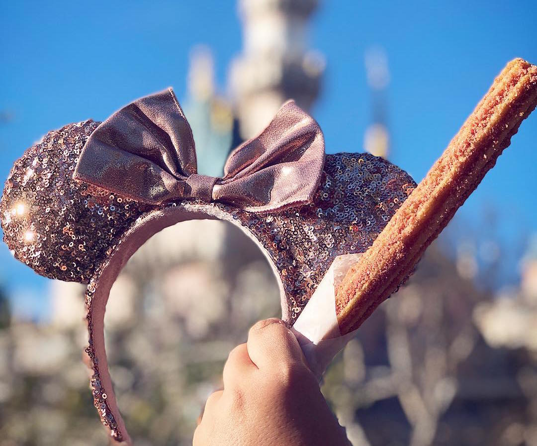 Disneyland is now selling rose gold churros, because dreams come true