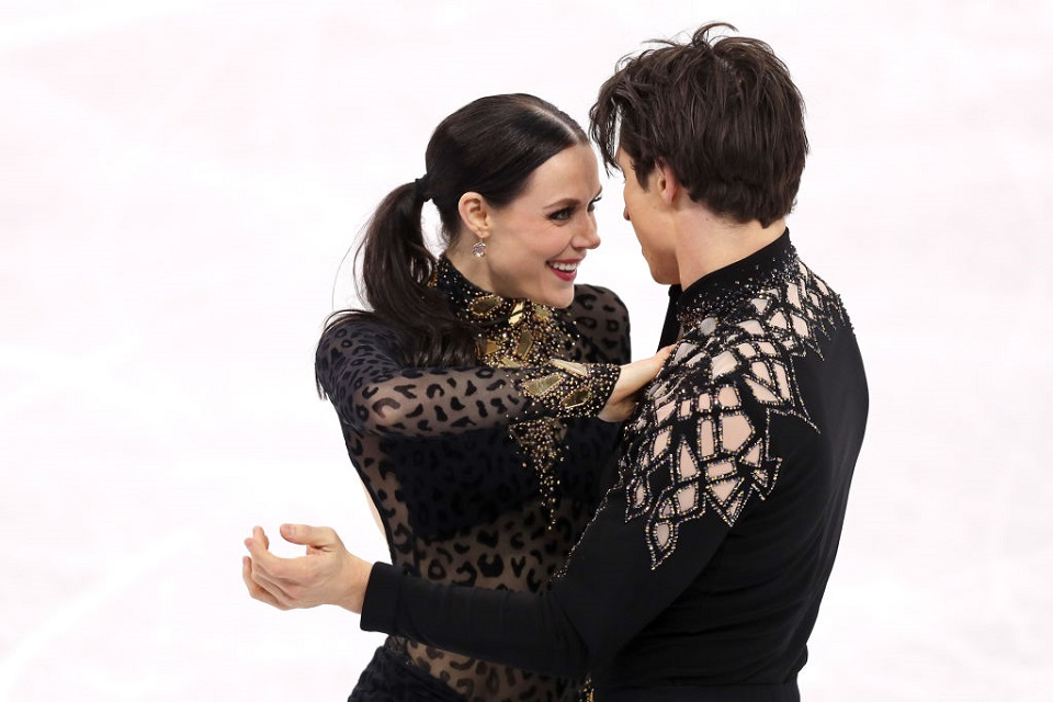 """Tessa Virtue and Scott Moir just broke a world record...and yes, we're still obsessed with their """"platonic"""" love"""