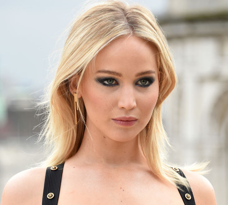 Jennifer Lawrence's thigh-high slit gown is an absolute power move