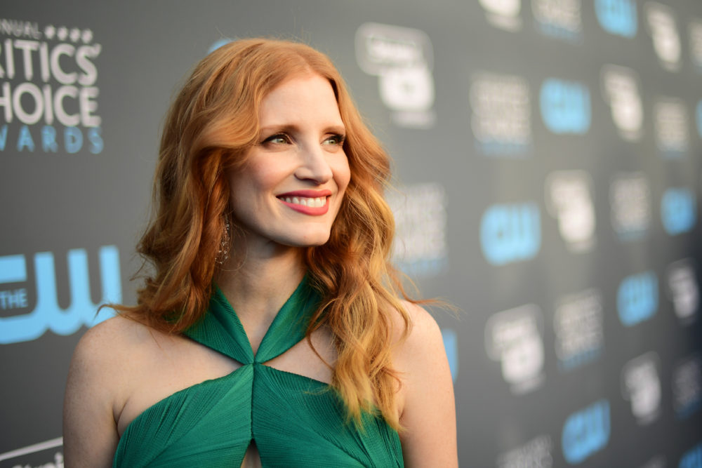 "Jessica Chastain will float too — she's in talks to play Beverly in the ""It"" sequel"