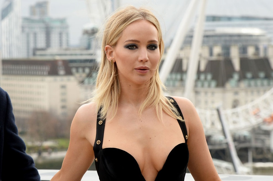 "Jennifer Lawrence clapped back against critics of her latest look, calling them ""sexist"""