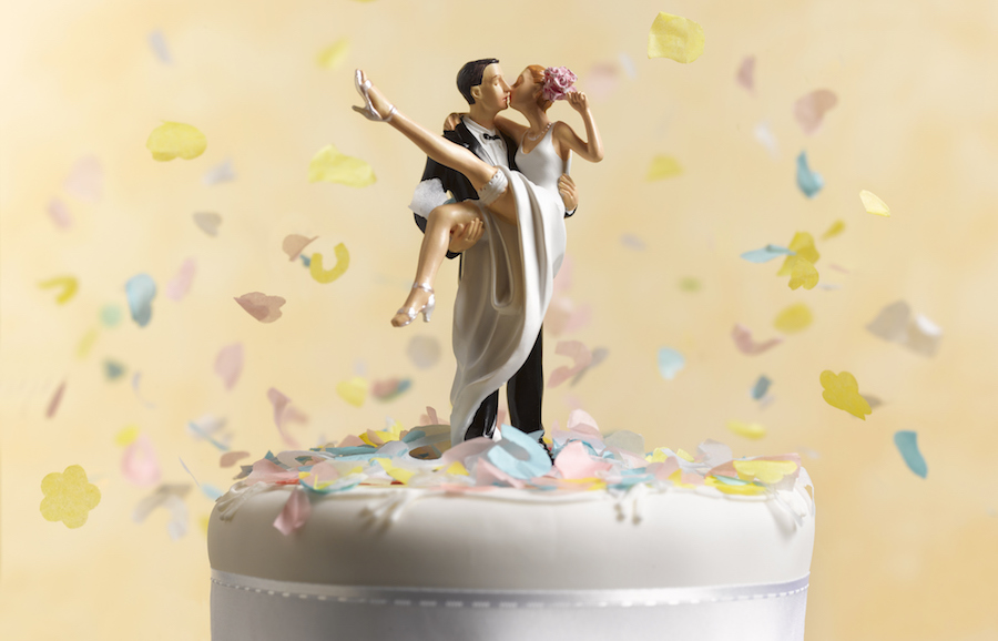Couples Are Choosing This No Fuss Wedding Cake Trend In 2018