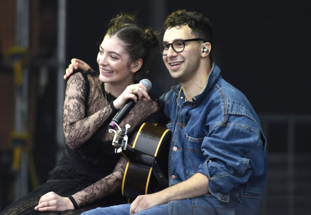 Lorde set the record straight about whether she's dating Lena Dunham's ex, Jack Antonoff