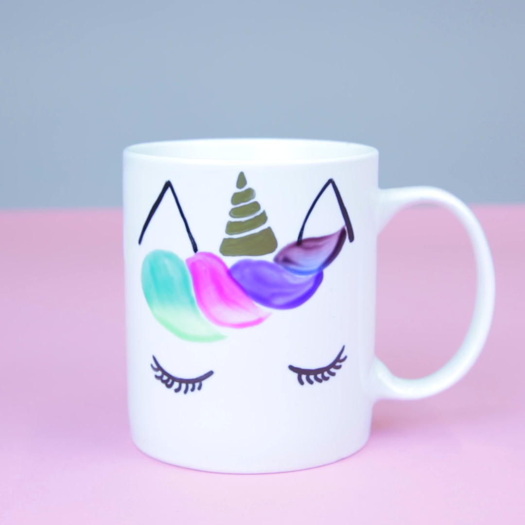This DIY unicorn mug magically changes colors when you add coffee