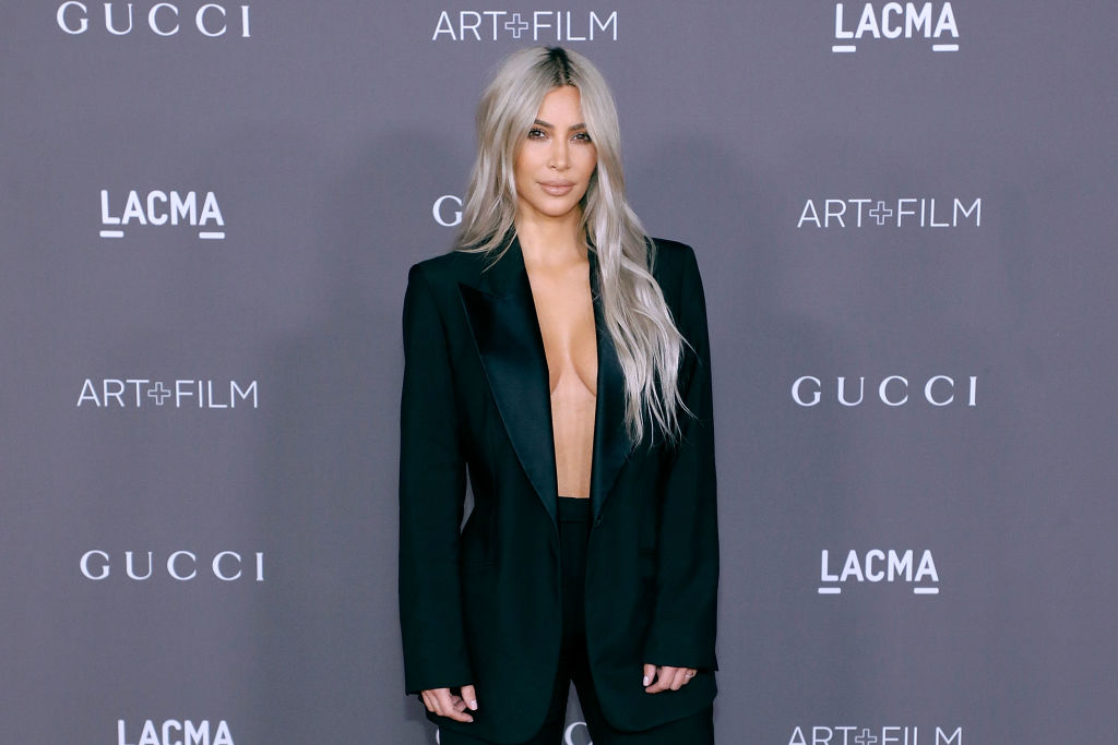 Kim Kardashian's hair is now a shocking shade of pink, and we're in love