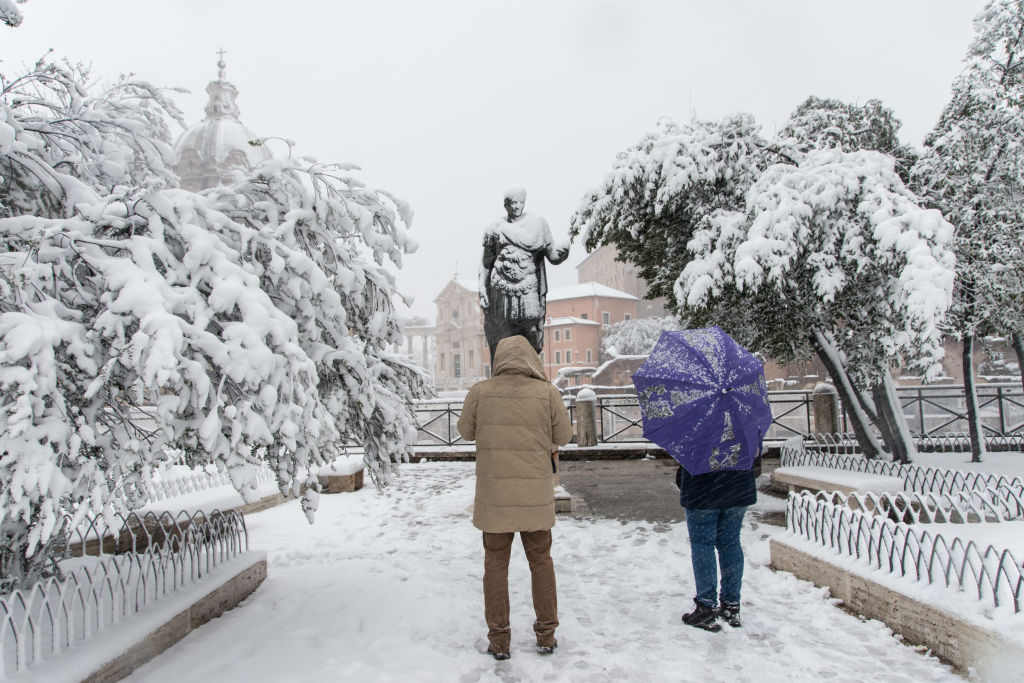 Rare pics of Rome under snow have mesmerized the internet