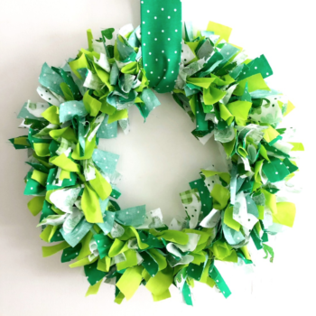 These DIY St. Patrick's Day wreath ideas are for anyone who *really* wants to connect with their Irish roots