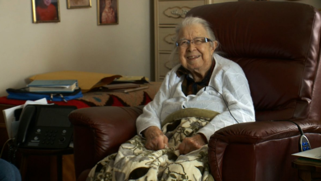 "This 99-year-old hostage was freed after she told her captor to ""knock it off,"" is our hero"