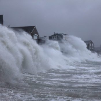 10 unbelievable images from the East Coast nor'easter you have to see