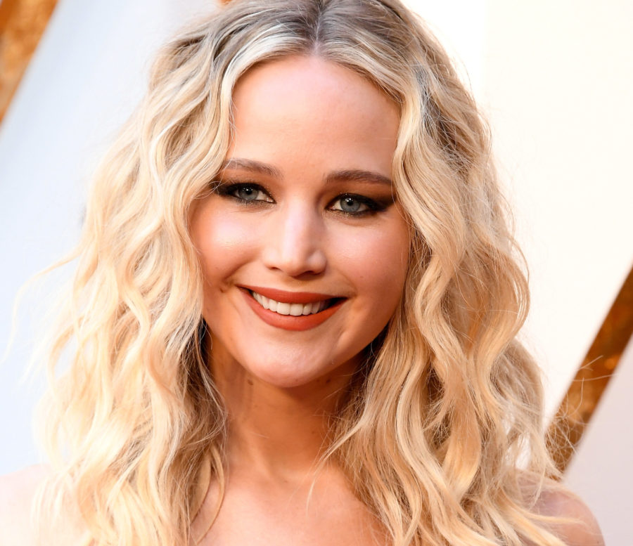 Jennifer Lawrence isn't up for an Oscar this year, but her dress looks like an Academy Award