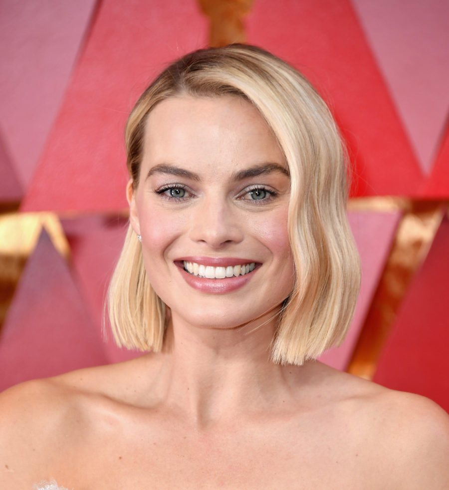 Margot Robbie's 2018 Oscars dress took almost 700 hours to make, and we can see why