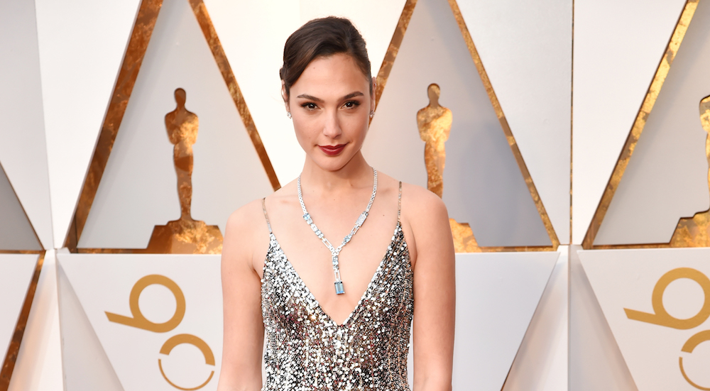 Gal Gadot looked like an old Hollywood flapper at the 2018 Oscars