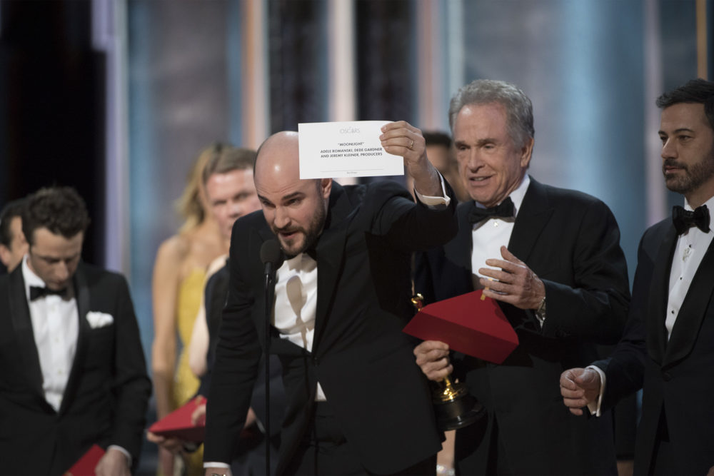 Here are all the jokes from the 2018 Oscars about the infamous 2017 envelope mixup