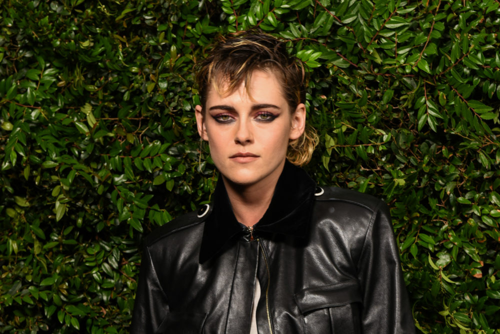 "Kristen Stewart looks exactly like Eleven from ""Stranger Things"" in her latest red carpet look"