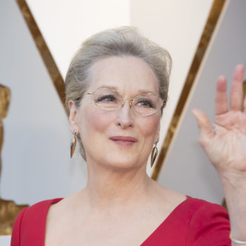 """The internet just realized Meryl Streep looked like the fairy godmother from """"Shrek"""" at the 2018 Oscars"""