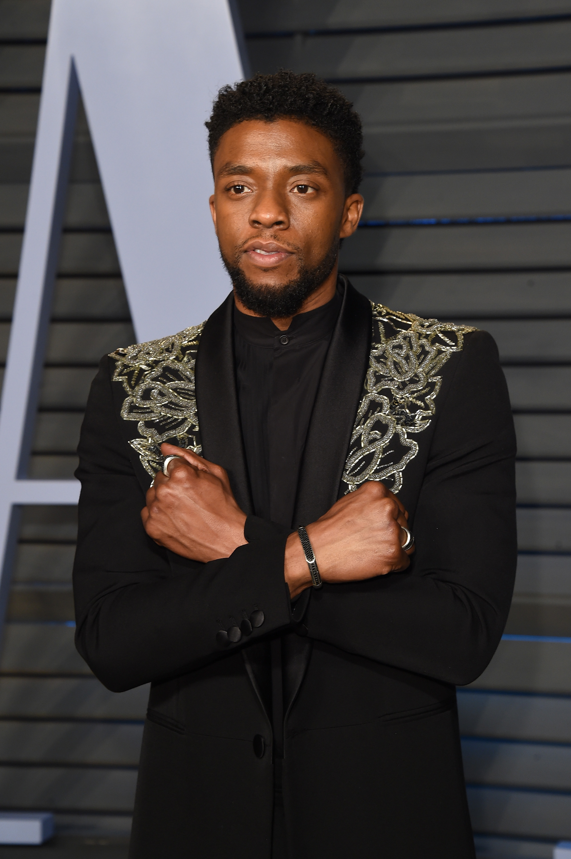 How To Do The Black Panther Handshake From The Movie Hellogiggles