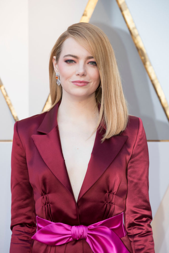 Emma Stone Wore 9 Essie Nail Polish At The 2018 Oscars And Queen Elizabeth Loves It Hellogiggles