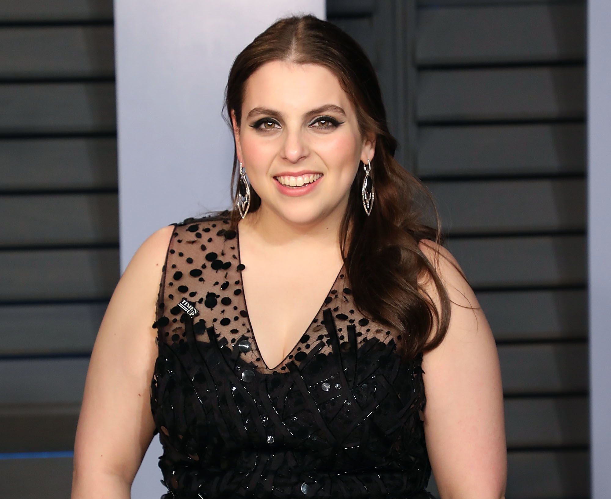 "Beanie Feldstein went completely makeup-free for ""Lady Bird,"" and that's just another reason to love her and Julie"