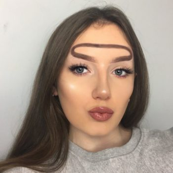 """This """"Halo Brow"""" makeup look is going viral on Instagram, and people are pissed"""