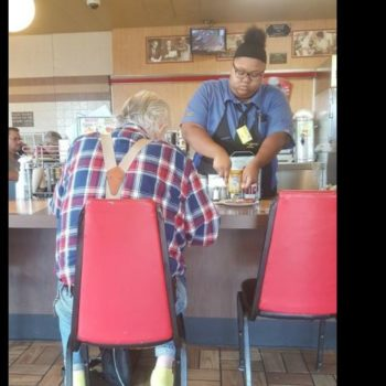 This teen waitress stopped to help an elderly customer — and now she has a $16,000 scholarship