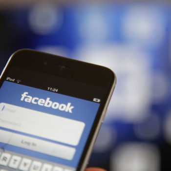 Here's how to turn off the new Facebook face recognition feature
